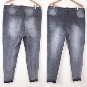 MELISSA MCCARTHY Seven7 Pencil Skinny Jeans Gray